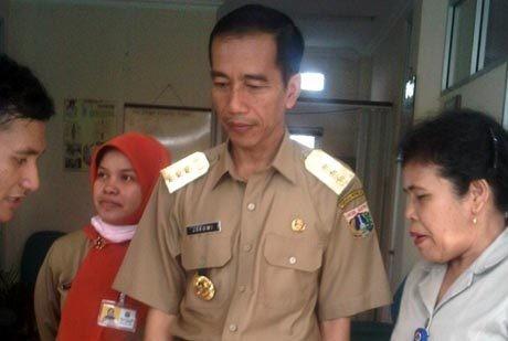 Sidak Puskesmas Sentiong, Jokowi Periksa Gigi