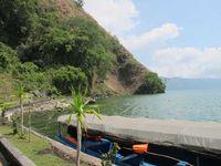 Dermaga Kuburan Trunyan. Tak ada akses darat menuju ke sini, kecuali menggunakan kapal selama 10 menit yang disewa dari desa-desa di sekitar Danau Batur seperti Desa Trunyan. (Sastri/ detikTravel)