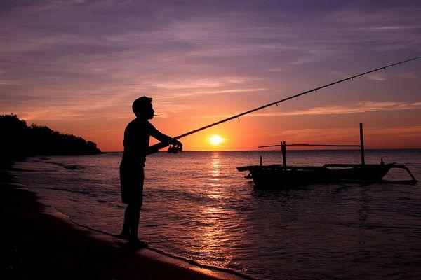 Nelayan Pantai Bama
