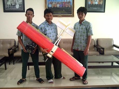 Hebat! Siswa Asal Sidoarjo Juarai Kontes Robotik Pesawat Tanpa Awak