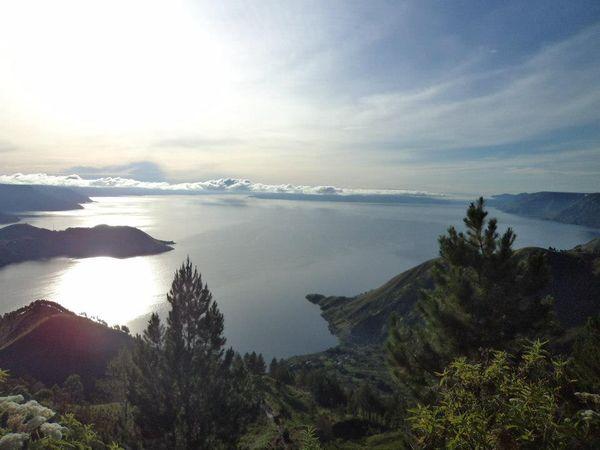 Danau Toba dari ketinggian