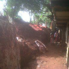 Warga Perbaiki 5 Rumah yang Tertimpa Tembok Seskoal