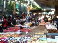 Yuk, Belanja Aneka Kue di Pasar Subuh Blok M!