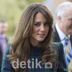 Hamil, Kate Middleton Masih Sempat Main Hoki
