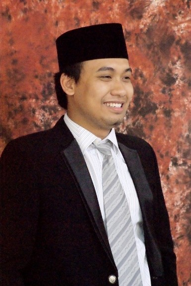 Ini Anak Bupati Bangkalan Berusia 26 Tahun yang Ingin Gantikan Ayahnya