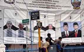 Politik Dinasti Sang Bupati Bangkalan