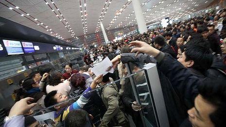 Pukul Pramugari & Aneka Aksi Nekat Penumpang Pesawat di China