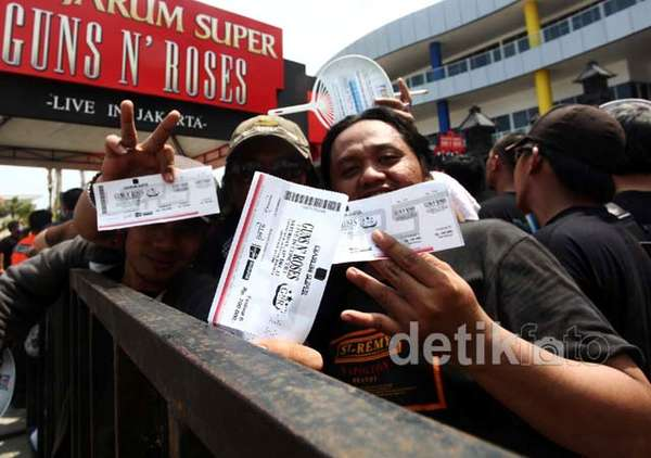 Ribuan Fans GNR Padati MEIS Ancol