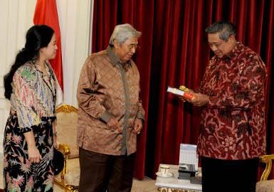 Ajak Puan Temui SBY, Taufiq Kiemas Tampak Lebih Muda