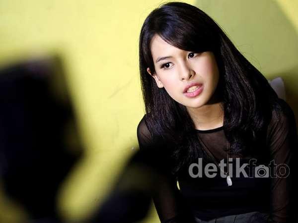 Maudy Ayunda Bangga Tampil dengan SBY