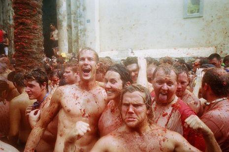 Perang Tomat dan 9 Festival Paling Meriah di Dunia