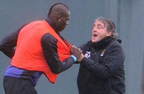 Ribut dengan Balotelli, Mancini Dikritik Redknapp