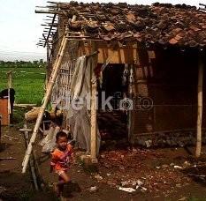 227 Rumah Rusak Diterjang Puting Beliung di Batam