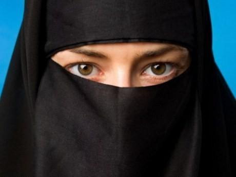 Gadis 15 Tahun di Arab Ajukan Cerai dengan Pria Berumur 86 Tahun