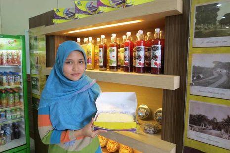 Lapis Bogor, Saingan Beratnya Amanda Brownies!