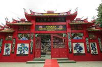 Patung Buddha Tidur ada di Vihara Buddha Dharma & 8 Posat yang beralamat di Kampung Jati RT 02 RW 06, Desa Tonjong, Kecamatan Tajur Halang, Kabupaten Bogor. Vihara ini baru diresmikan 28 April 2012 (Fitraya/detikTravel)