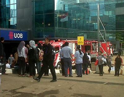 Plaza UOB Tak Akan Beri Ganti Rugi pada Mobil yang Terendam \Tsunami\