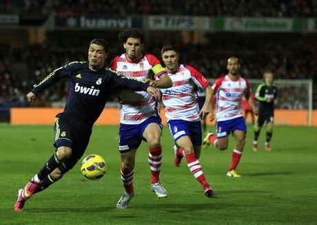 Gol Bunuh Diri Ronaldo Bikin Madrid Takluk di Kandang Granada