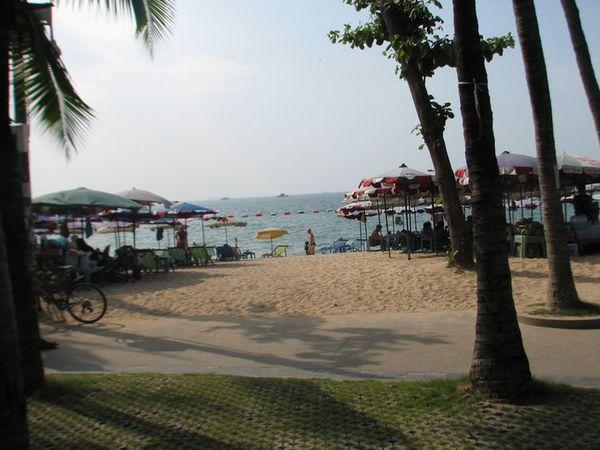 Ayo Liburan ke Pattaya, Bisa Belanja & Main di Pantai