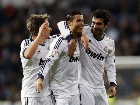 Ronaldo Hat-trick, Madrid Gasak Sevilla