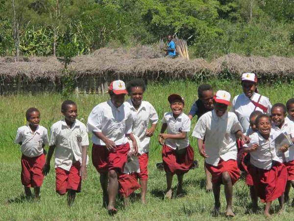 Menelusuri Wajah Papua yang Lain