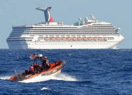 Mesin Kapal Pesiar Terbakar, 3.000 Turis Terjebak di Lautan