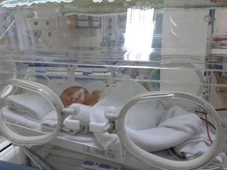Jokowi Jenguk Bayi Dara di RS Tarakan