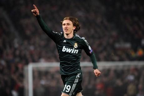 \Luka Modric Beri Perbedaan untuk Madrid\