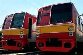 KRL Bogor-Jakarta Berjalan Lebih Pagi, Balik Lebih Malam