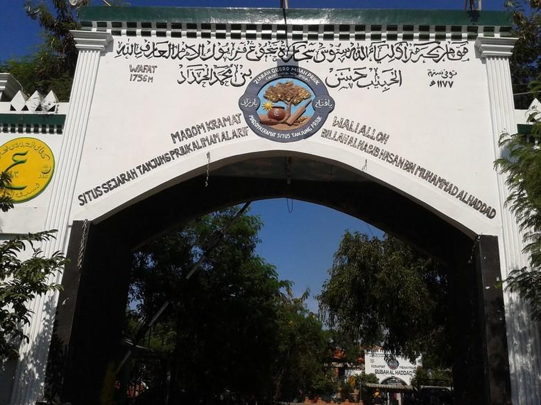 Makam Mbah Priok Vs Proyek Tol Akses Tanjung Priok, Siapa Mengalah?