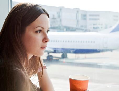 9 Cara Agar Tidak Bete Kalau Pesawat Delay