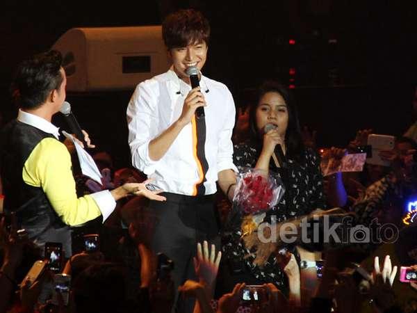 Lee Min Ho Tebar Senyuman di Jumpa Fans Jakarta