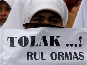 Ribuan Orang Demo Tolak RUU Ormas di Medan