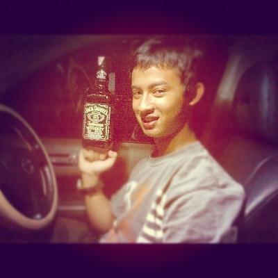 Sopir Nissan Juke Maut Juga Pamer Jack Daniels di Instagram