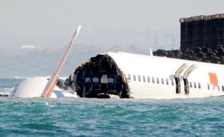 Puing pesawat Lion Air Boeing 737-800 yang jatuh di laut Bali