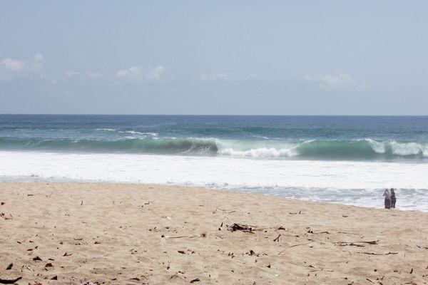 Cantiknya Ombak Pantai Ngantep