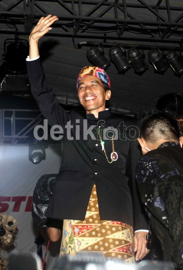 UN SMA Selesai, Jokowi: Coret-Coret Bukan Budaya Kita