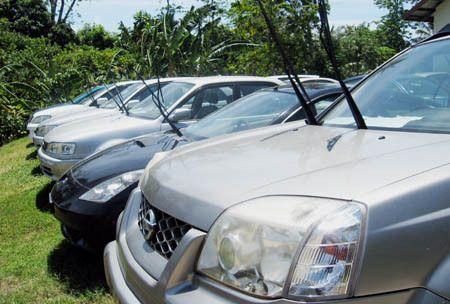 Mobil-mobil Mewah Bebas Seliweran di Pulau Weh