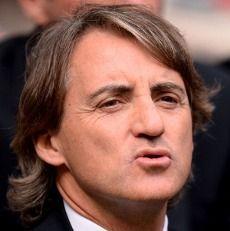 Bicarakan Jarak MU dengan City, Mancini Singgung \Gol Offside\