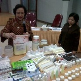 Ini Dampak Berbahaya Memakai Kosmetik Ilegal