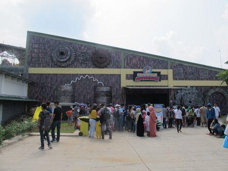 Taman Hiburan Terbesar di Indonesia Ada di Jungleland Sentul