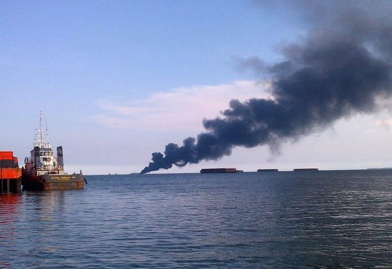 Kapal Tongkang Meledak di Perairan Laut di Kaltim, 5 Orang Hilang