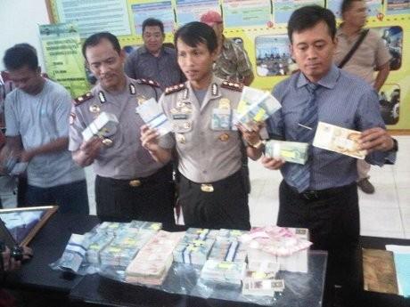 Polisi: Uang Palsu Aswong Kualitas Super