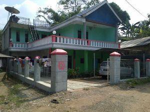 Rumah Nuriyah Kerap Didatangi Tamu Bermobil Mewah
