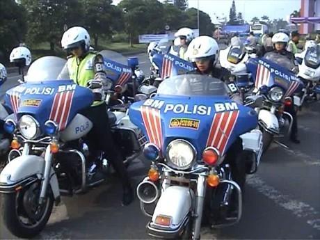 Polwan Bermoge Kawal Aksi May Day di Bekasi