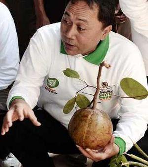 Menteri Nyaleg Diminta Mundur, Menhut Cuek