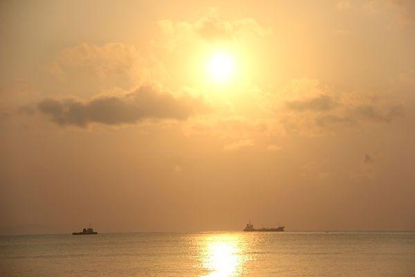 Sunrise di Pantai Teluk Penyu, Cilacap