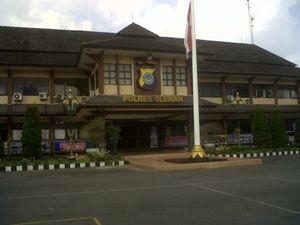 Mahasiswa Keroyok Anggota TNI, 1 Peleton Dalmas & TNI Jaga Polres Sleman