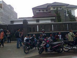 KPK Sita Berkas dari Rumah Bupati Mandailing Natal di Medan
