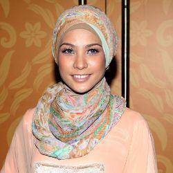 Akun Facebook Dibajak, Rachel Maryam Resah